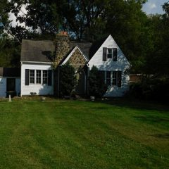 2075 Parkdale Dr Hermitage, PA 16148